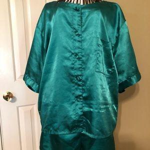 Victoria's Secret Emerald Green Pajama Set